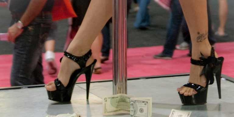 6 Things I Learned From Working In A StripClub