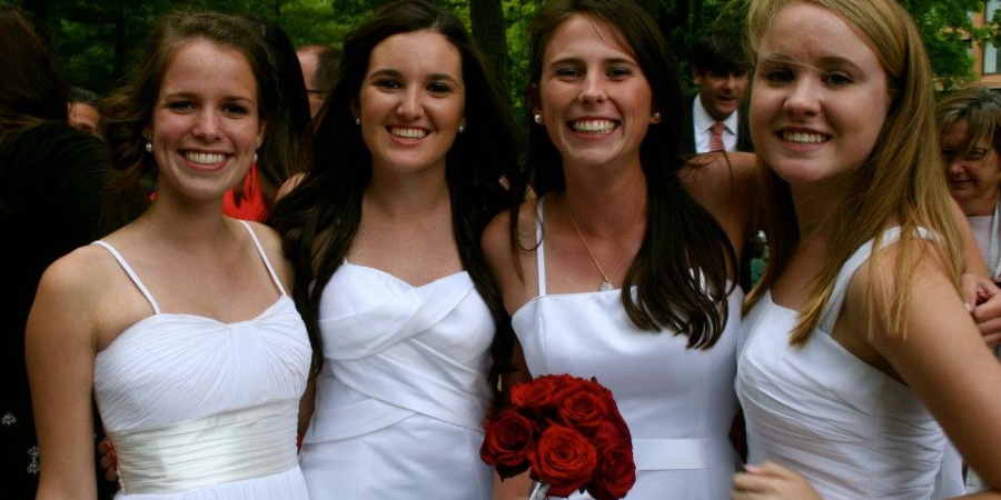 12 Reasons Why Your High School Friends Are Your Actual Best FriendsForever
