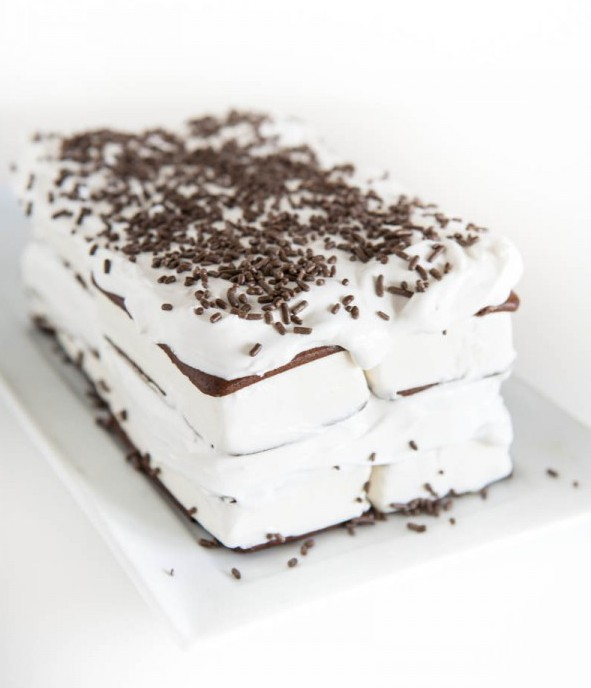 Ice Cream Sandwich Cake from Eclectic Recipes