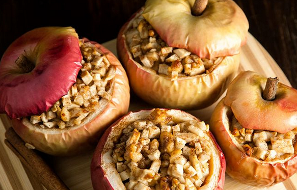 27 Apple Dessert Recipes To Try This Fall That Are Way More Fun Than ApplePie
