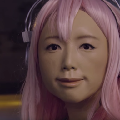 This Japanese Slit-Mouthed Woman Prank Is Insanely Terrifying