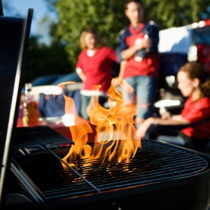 5 Ways To Tailgate Like An Adult (Or Try)