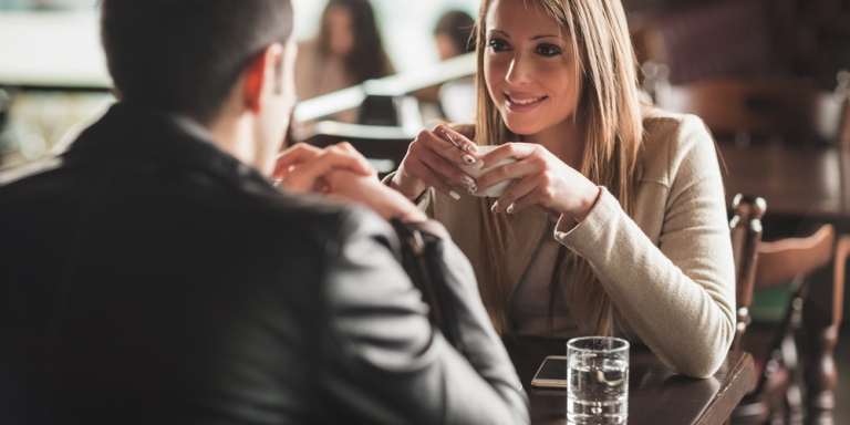 15 Extremely Shy People Reveal How They Deal With FirstDates