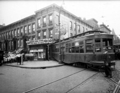 Trolley-Accident-Nostrand-Putnam.-Brooklyn-Memories-1931