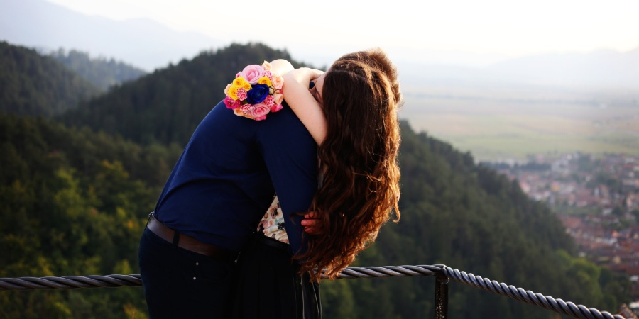 10 Reasons We Fall In Love So Easily WhileTraveling