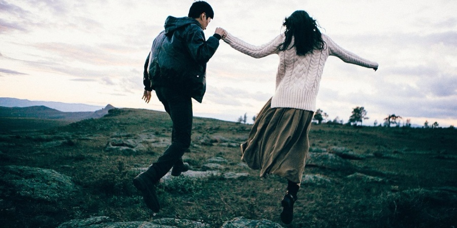 6 Tips For Dating A Guy Who's More Girly Than YouAre