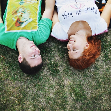 10 Ways He's Trying To Show He's Into You That You're Totally Unaware Of