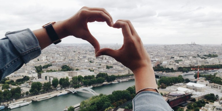 The Truth Behind What Love At First Sight Really Is (And How Your Mind Tricks You IntoIt)