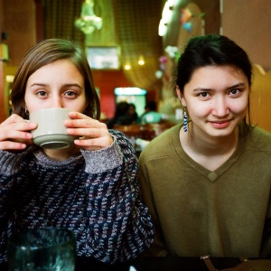 18 Objectively Rude Things You Can Only Do With Your Best Friend