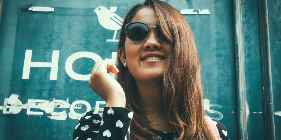 28 Little Tricks Confident People Use To Overpower Self-Doubt