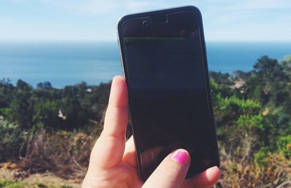 12 Signs You Have An Unhealthy Relationship With SocialMedia
