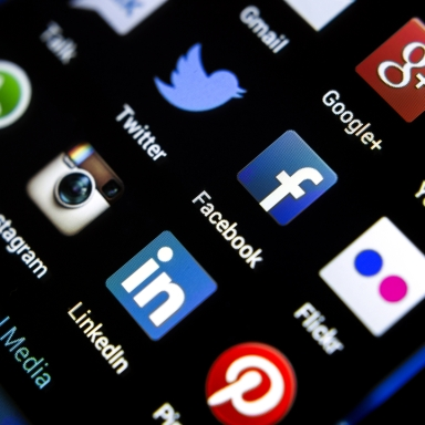 3 Life Rules To Prevent Yourself From Being Distracted By Social Media