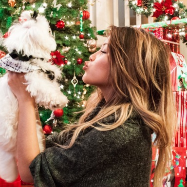 10 Ways To Have A Happy Holiday Season Without Breaking The Bank