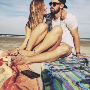 25 Tiny Ways The Love Of Your Life Is Bound To Drive You Crazy (Because That's Just Life)