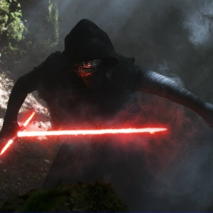 10 Reasons Kylo Ren From 'Star Wars: The Force Awakens' Is Totally Crushable