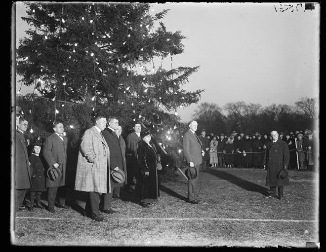 43710v-cc-lighting-first-christmas-tree-12-24-1923