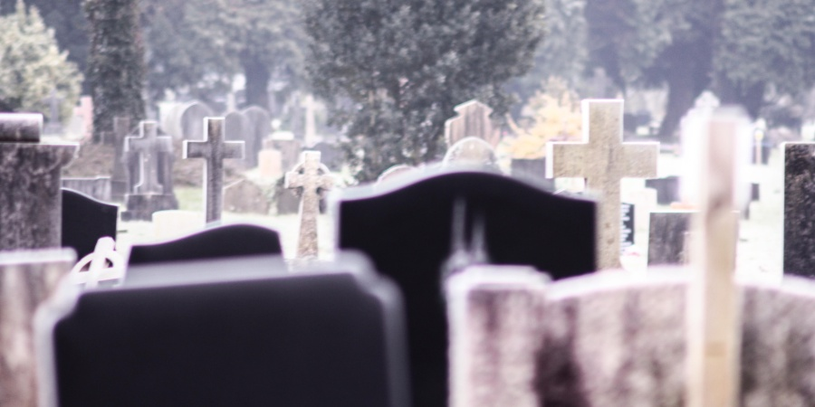 My Crush Dared Me To Spend The Night In A Graveyard, And Here's Why I'll Never Do ItAgain