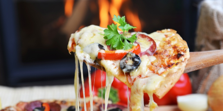 9 Reasons Your Relationship With Pizza Is The Only One YouNeed