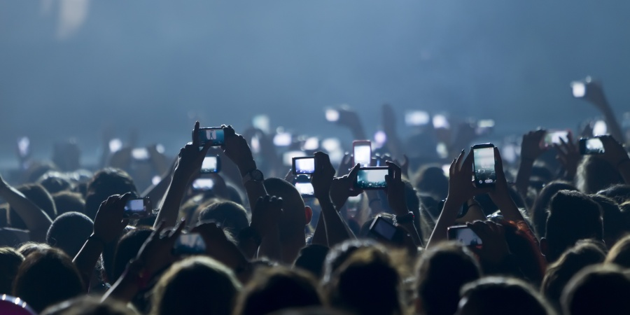 Stop Worrying About Social Media And Live In TheMoment