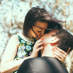 You Need To Think About These 3 Things Before You Hook Up With Him