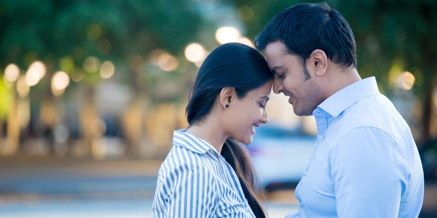 10 South Asian People On Why Digital Dating Is SoFrustrating