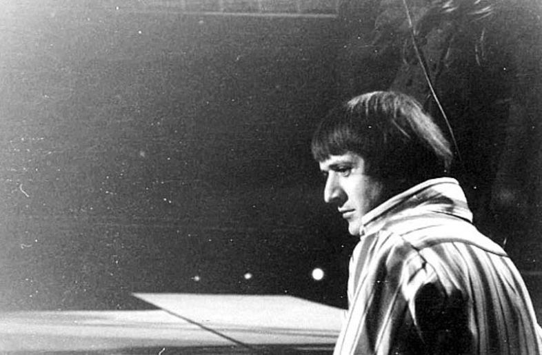 Sonny Bono—gone, but I refuse to let him be forgotten. (Wikimedia Commons)
