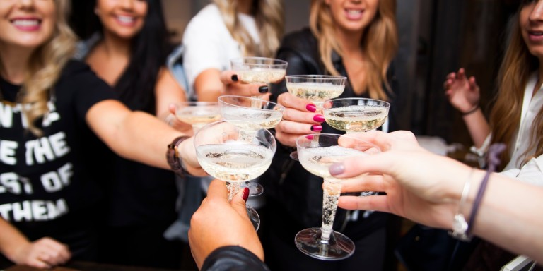 10 Types Of People You'll Meet At The Bar When You Go Home For TheHolidays