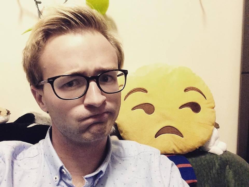 Me trying to mimic an emoji because ???