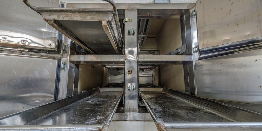 I Used To Take The Overnight Shift In The Morgue, And Here's Why I Never Will Again