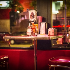6 Harsh Realities I Learned From My Waitressing Job