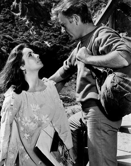 Elizabeth Taylor and Richard Burton. (Wikimedia Commons)