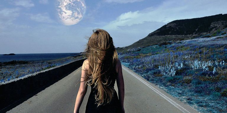 9 Signs You Are Very Much Alone (But Not At AllLonely)