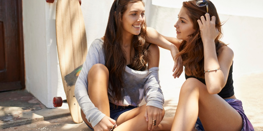13 Wonderful Things That Happen When Your Sister Is Also Your Best Friend