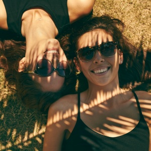 15 Things That Happen When You And Your Best Friend Live Miles Apart