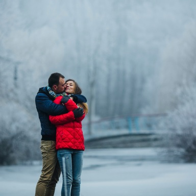 5 Strong Indicators He's Definitely Into You