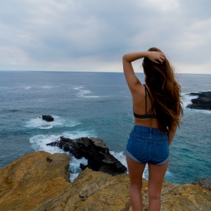 9 Problems With Being The Girl Who Constantly Over-Thinks Things That Aren't Worth Over-Thinking