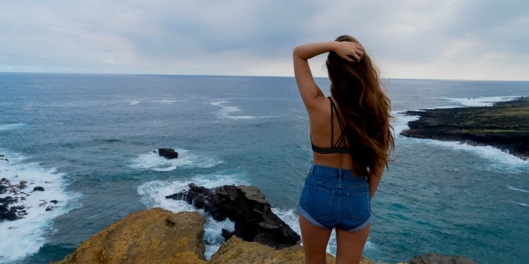 9 Problems With Being The Girl Who Constantly Over-Thinks Things That Aren't WorthOver-Thinking
