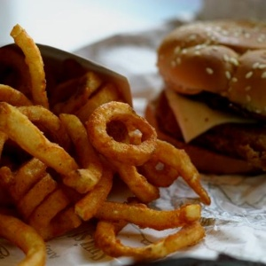 This Is What Your Go-To Fast Food Says About Your Dating Life