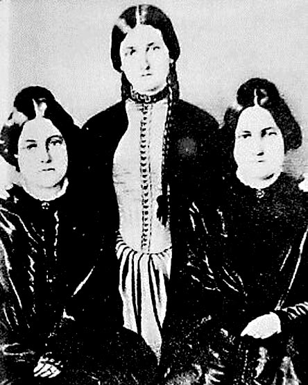 The Fox Sisters. (Wikimedia Commons)