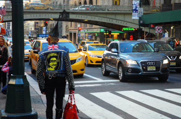 20 Ways To Avoid Looking Like A Lost Tourist InNYC