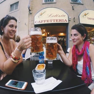 6 Reasons Why Your Co-Workers Are The Best Friends You'll Have In Your Twenties