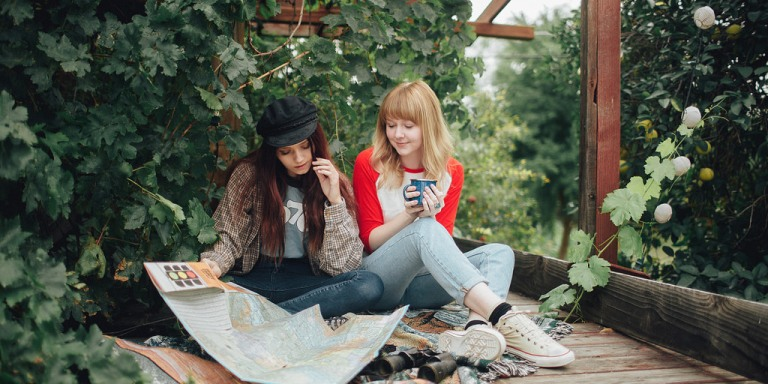 7 Ways To Meet Some Really Awesome People While LivingAbroad
