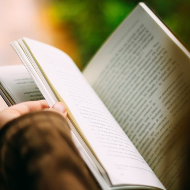 5 Reasons You Should Never, Ever Date A Fan Of Literature