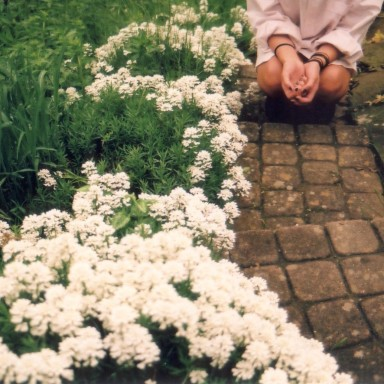 9 Ways To Spring Clean All The Toxic Thoughts That Are Holding You Back