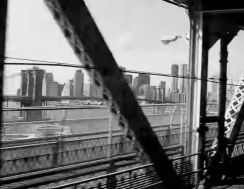 Manhattan Bridge to city