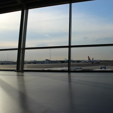 5 Little Ways To Pass The Time When You Find Yourself Stuck In An Airport