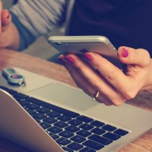 5 Ways Social Media Is Ruining Relationships