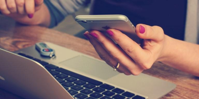 5 Ways Social Media Is RuiningRelationships