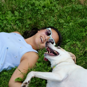 10 Reasons Why You Should Absolutely Date A Girl Who Loves Her Dog