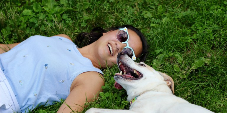 10 Reasons Why You Should Absolutely Date A Girl Who Loves HerDog
